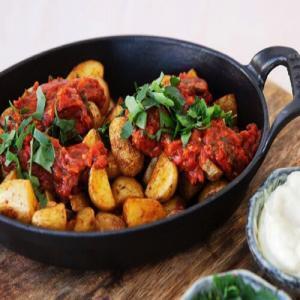 Spaanse geroosterde aardappelen met salsa brava
